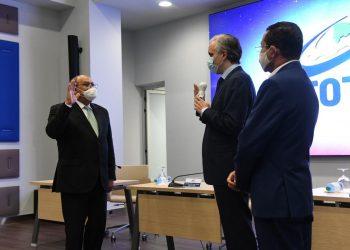 Juramentación de Rafael Santos como director general de Infotep.   Fuente externa.