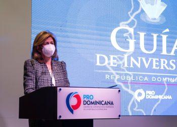 La vicepresidenta de la República, Raquel Peña, presidió el acto de presentación de la nueva guía de inversiones.