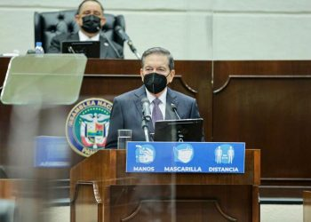 El presidente de Panamá, Laurentino Cortizo, durante una alocución a la nación ofrecida en el hemiciclo de la Asamblea Nacional. | Fuente externa.
