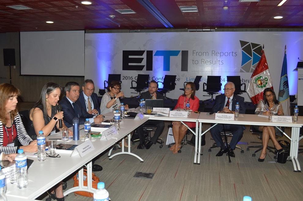 los consejos nacionales de la eiti estan formados por gobiernos industrias extractivas y sociedad civil
