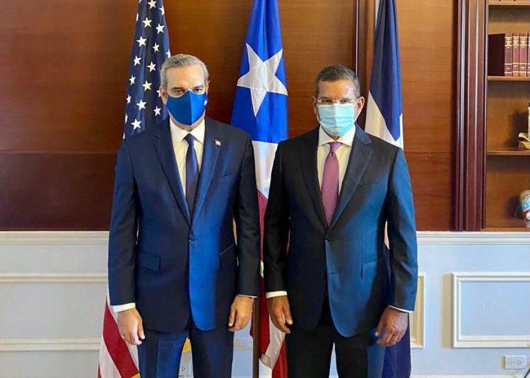 El presidente Luis Abinader, junto al gobernador electo de Puerto Rico, Pedro Pierluisi. | Fuente externa.