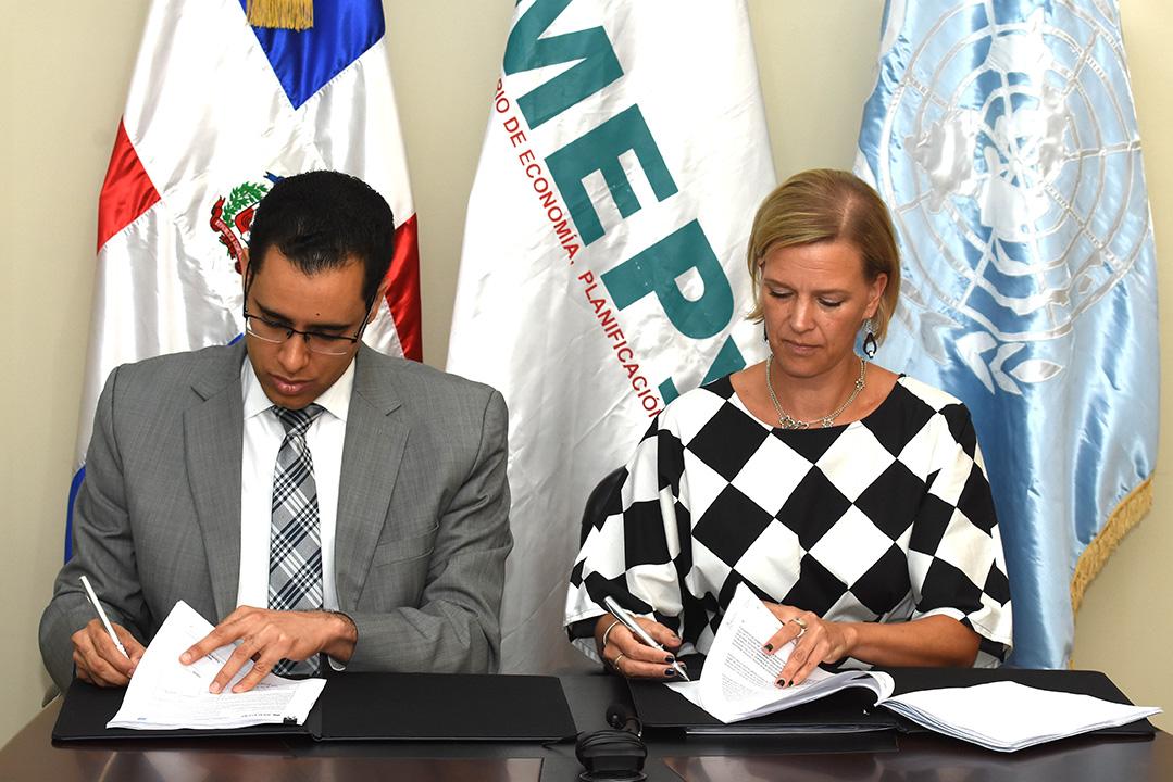 mepyd y pnud firman acuerdo para impulsar los ods y la end 13