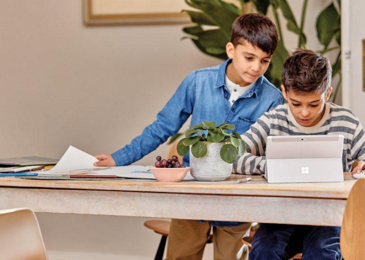 Microsoft cuenta con una plataforma con clases sobre inteligencia artificial y programación.   Microsoft