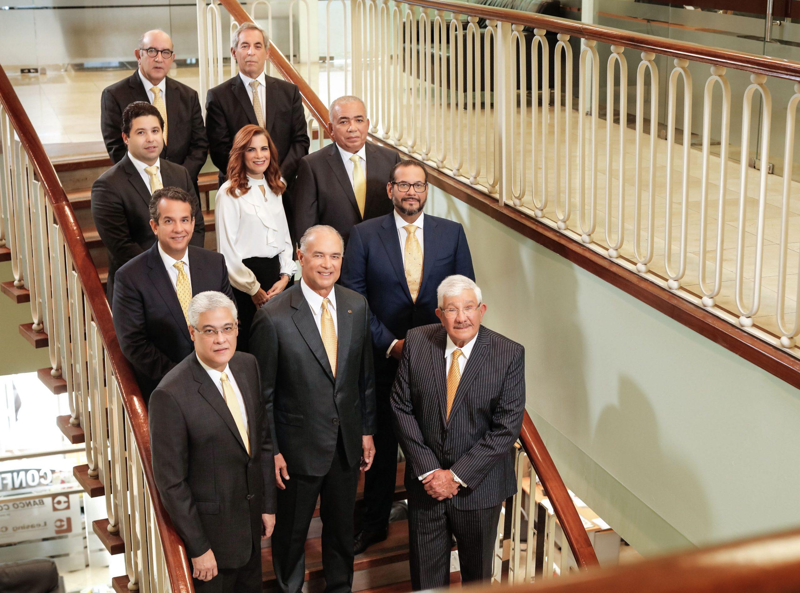 maireni bournigal, presidente de banco confisa junto al consejo de directores, vicepresidente ejecutivo y asesores de la entidad.