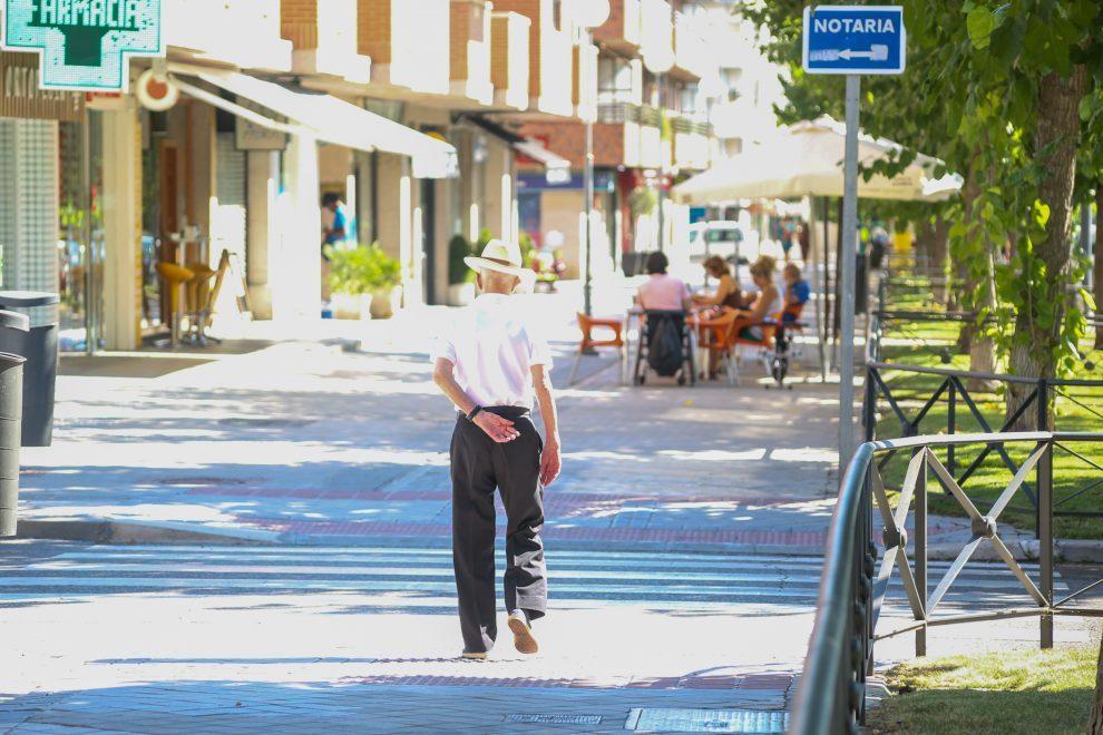 economía. el envejecimiento aumentará déficit y deuda y reducirá el consumo en