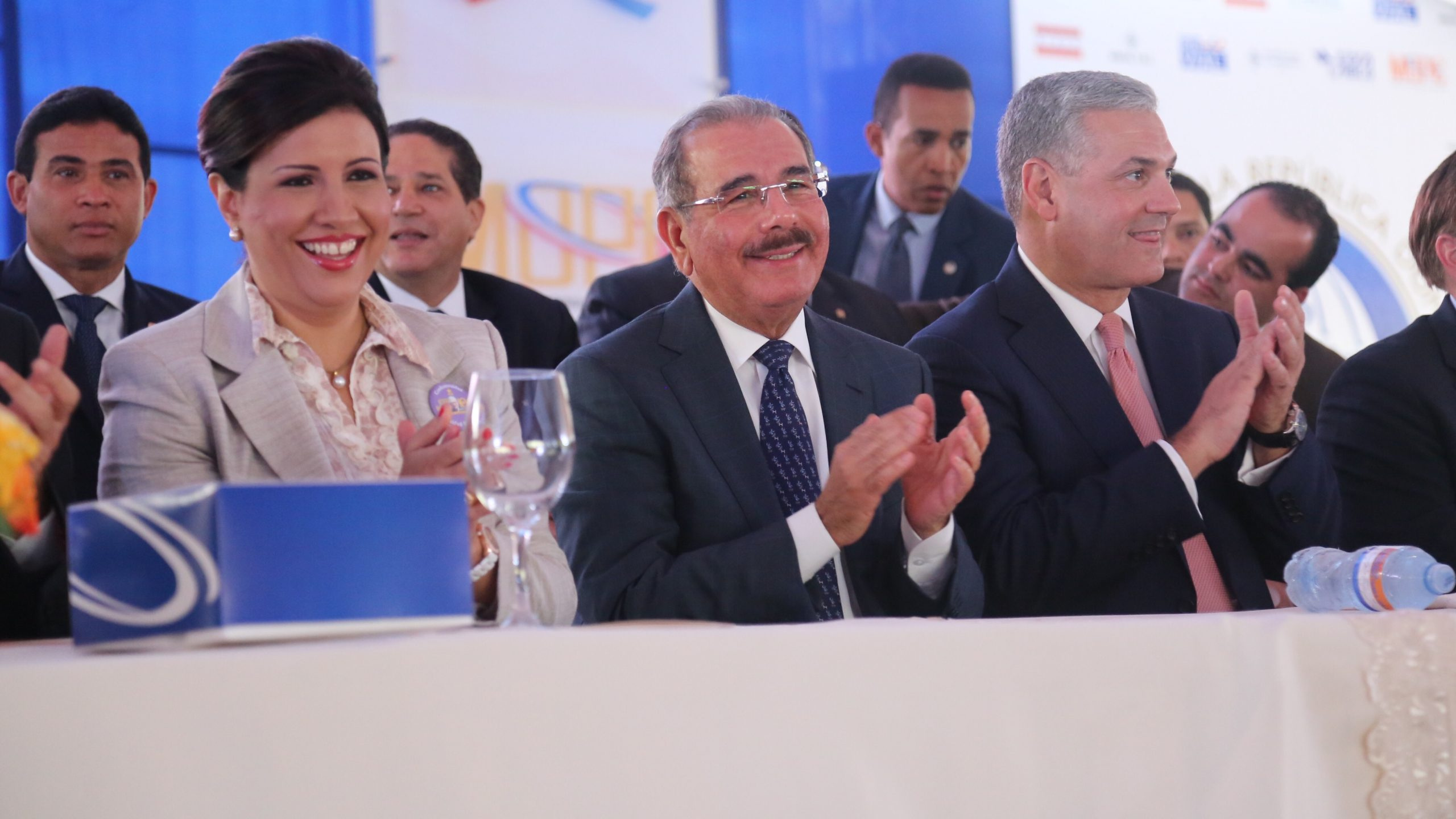 Margarita Cedeño, Danilo Medina y Gonzalo Castillo durante la inauguración de la fase A tramo Circunvalación Santo Domingo./elDinero