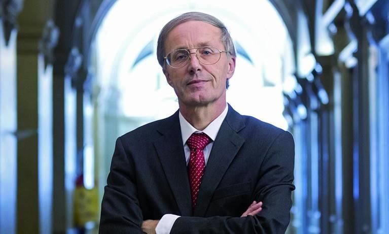 ministro de economía suizo a cargo de las américas philippe nell