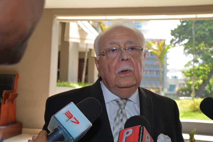 Antonio Isa Conde, ministro de Energía y Minas.   Lésther Alvarez