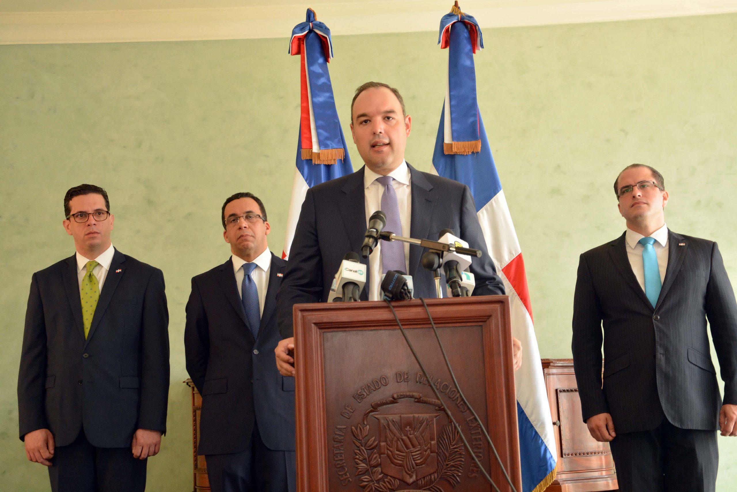 José del Castillo Saviñón informa sobre el sometimiento de RD a Haití ante la OMC.
