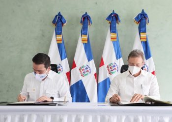 El Mirex y el BCIE firmaron el acuerdo que formaliza la apertura de la sede del Banco Centroamericano en el país. | Fuente externa.