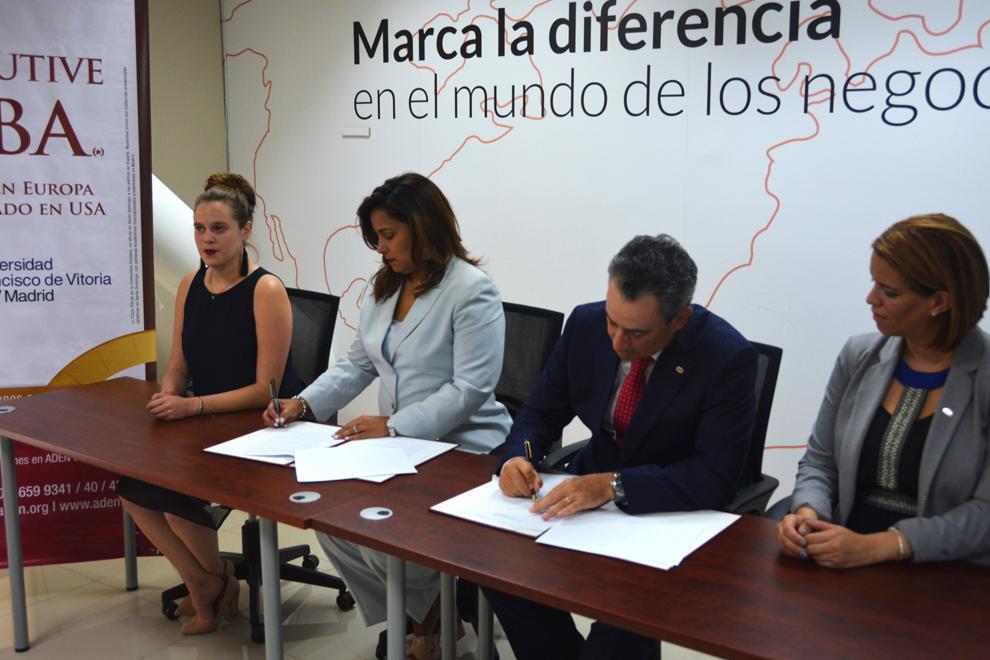 momento de la firma del acuerdo amchamdr aden