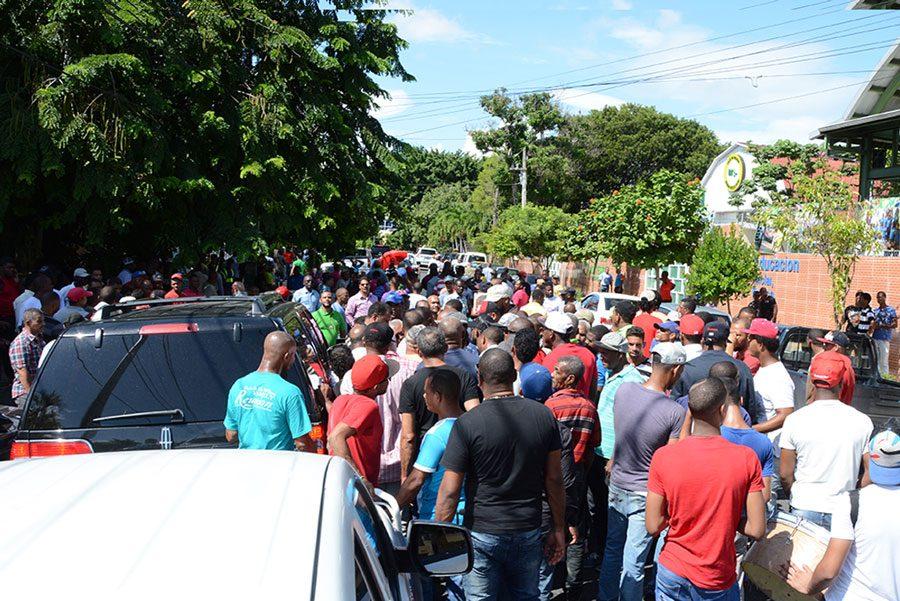 movilizacion de chioferes frente al tribunal superior administrativo 4