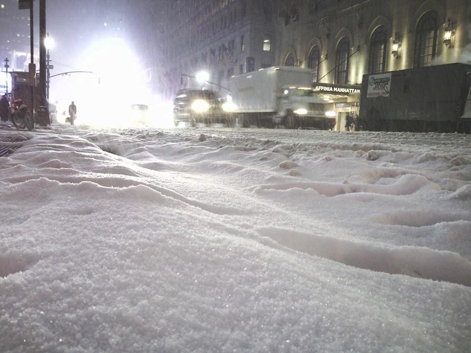 Los dominicanos se abastecieron temprano en los supermercados ante la tormenta de nieve anunciada./JOEL ALCÁNTARA /elDinero
