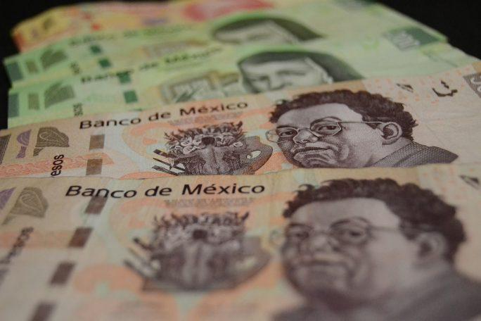Pesos mexicanos, dinero