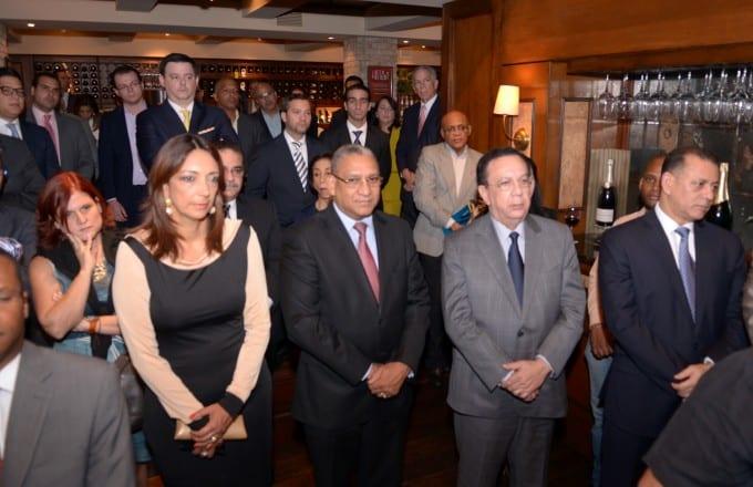 La actividad contó con la presencia del gobernador del Banco Central, Héctor Valdez Albizu, y de otros funcionarios del sector financiero.