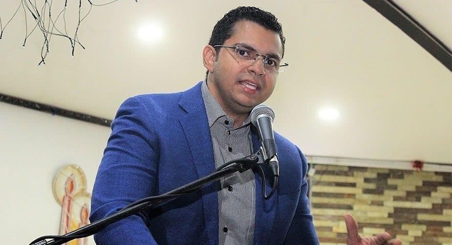 rafael alexander soriano presidente de la asociación de comerciantes de la provincia duarte.