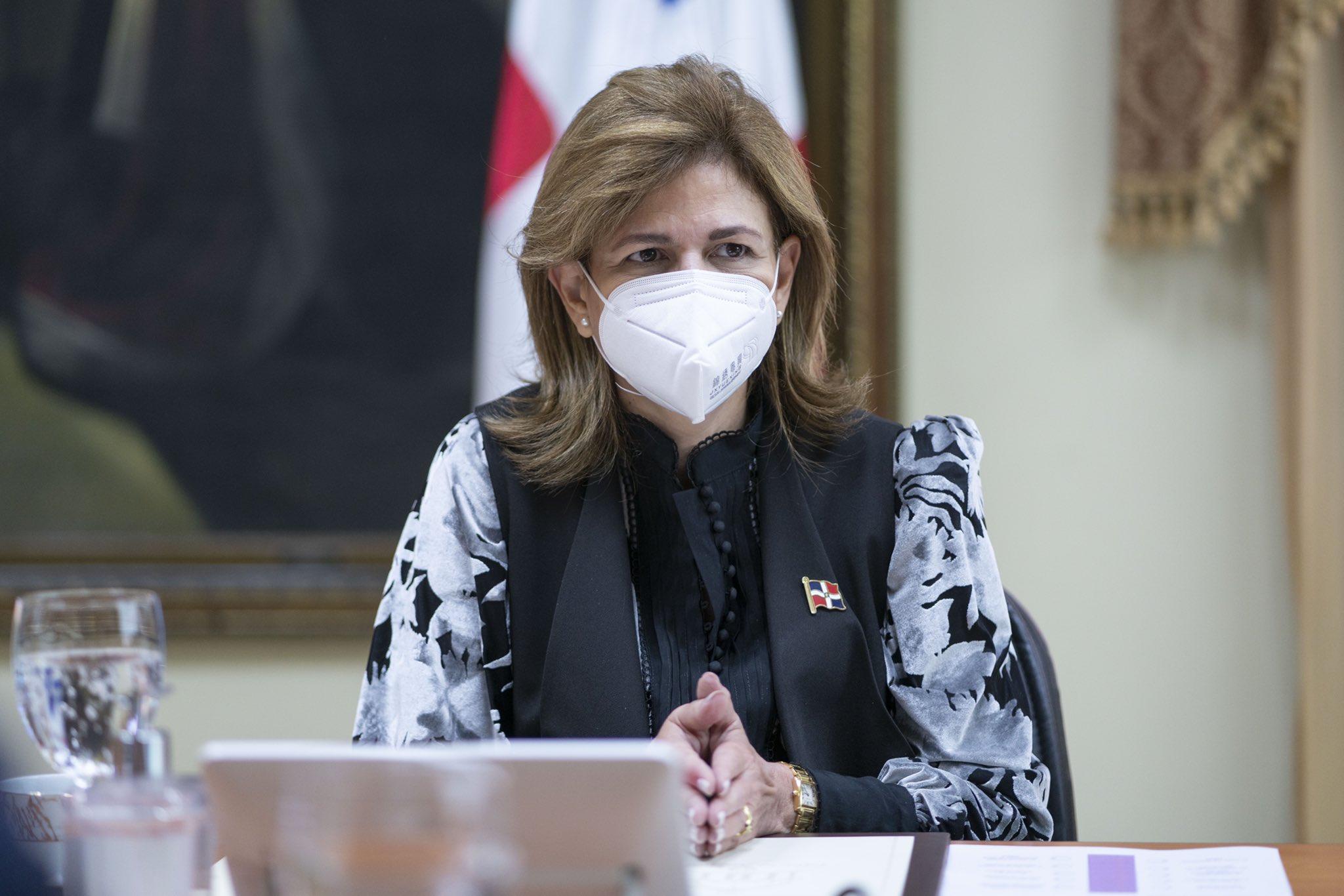 La vicepresidenta Peña no sabe cuándo llegará próximo cargamento de vacunas