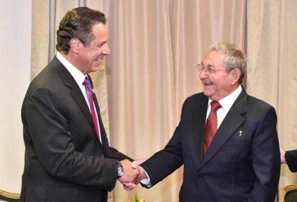 Raul Castro y Andrew Cuomo durante el encuentro de este sábado.