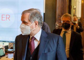 El ministro de economía italiano, Daniel Franco, tras la reunión telemática que sostuvo con los países del G20. | EFE.