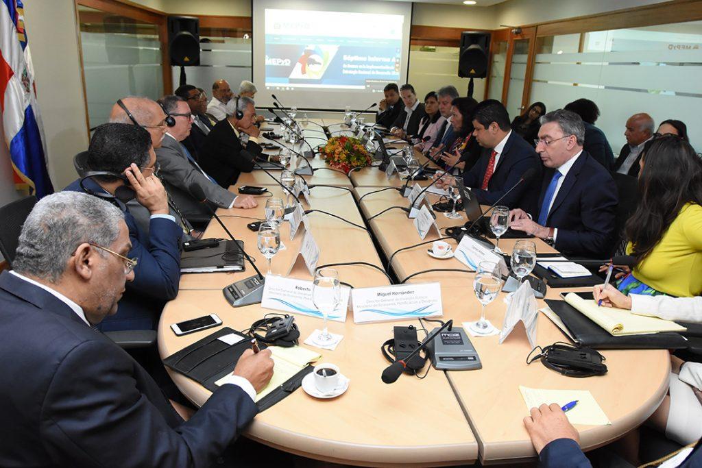 reunión mepyd y banco mundial
