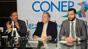 Miembros del Conep sostuvieron un encuentro con el presidente de la Junta Central Electoral, Roberto Rosario.