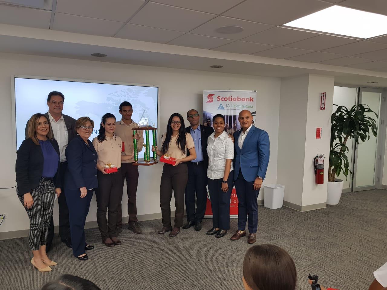 scotiabank equipo ganador campamento de innovación
