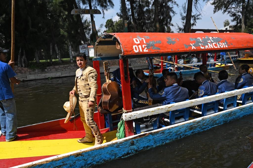 douniamag mexico tourism xochimilco