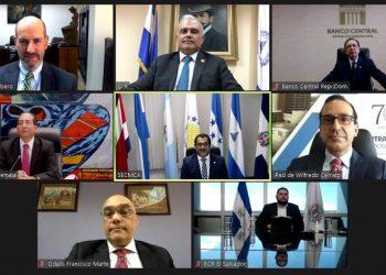 Valdez Albizu participa en evento con Consejo Monetario Centroamericano