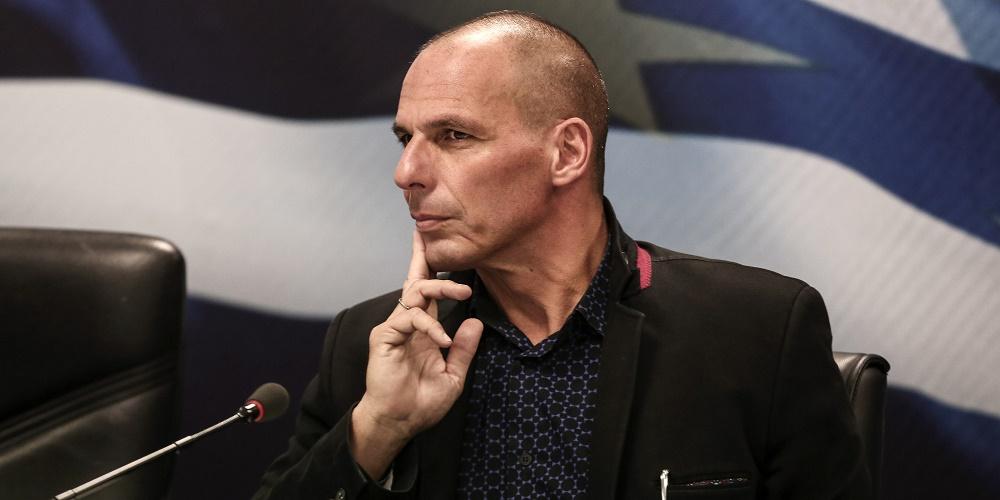Yanis Varoufakis no está optimista con el futuro económico inmediato de Grecia.