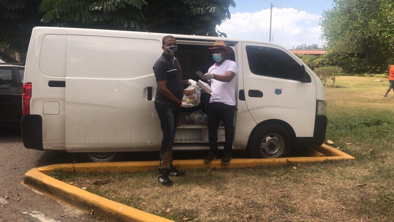 Fundación PQ entrega 500 kits con comida y productos de higiene a los cadis del país