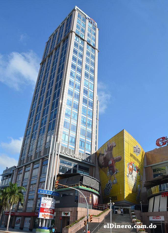 Acrópolis Center: Es un centro multiuso que consta de 26 pisos y 115 metros de altura, ubicado en la avenida Winston Churchill. Alberga un centro comercial y el banco Citibank. | Lésther Álvarez