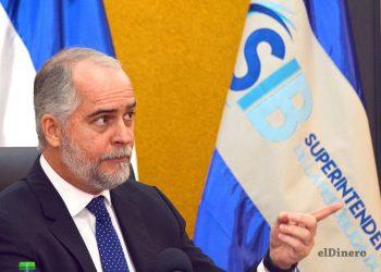 Alejandro Fernández Whipple, superintendente de Bancos. | Lésther Álvarez