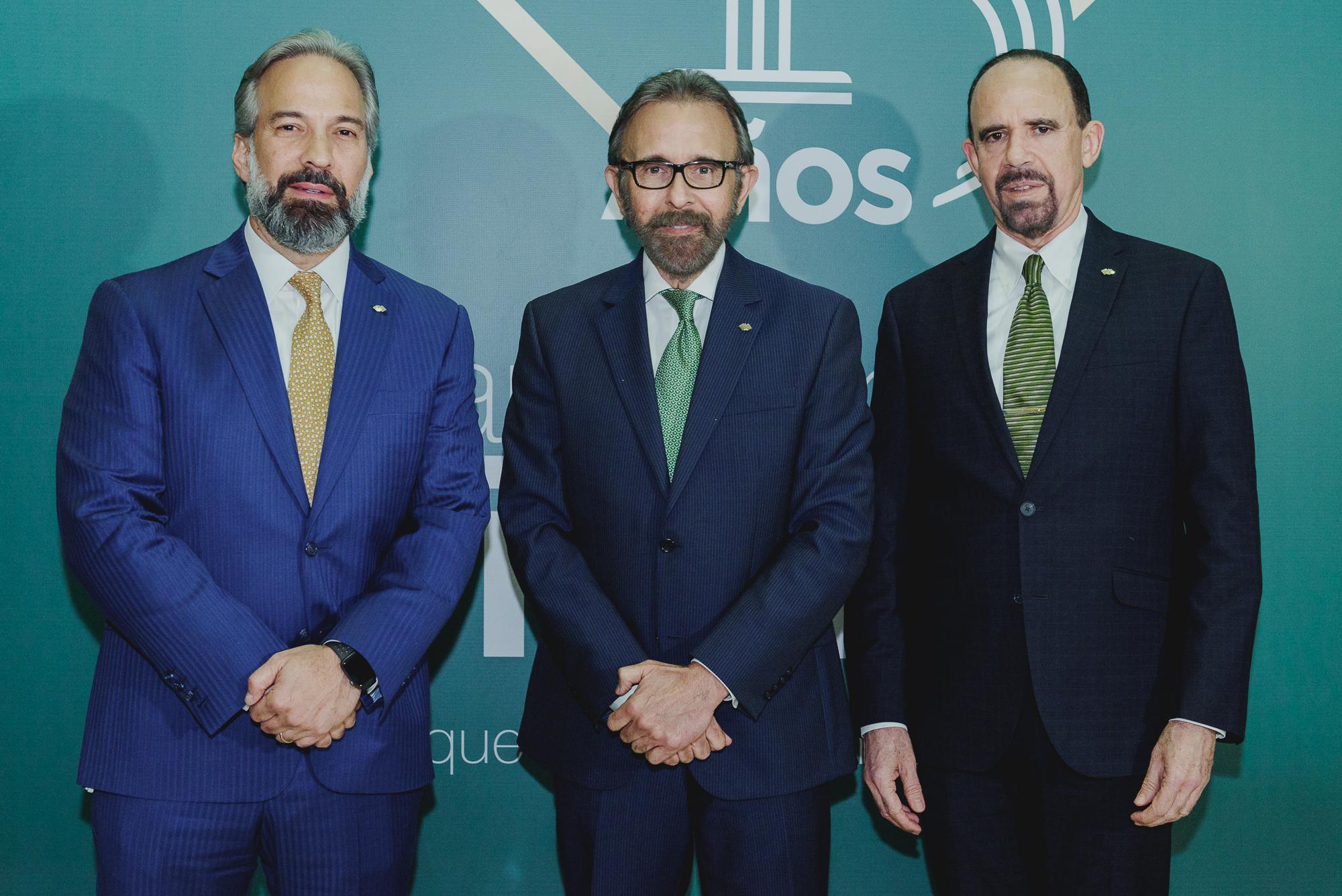 banco caribe dennis simó Álvarez, edmundo aja y josé hernández