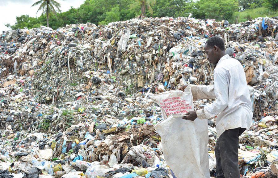 basura desechos solidos buzo
