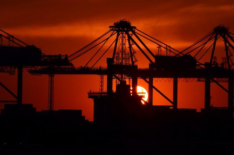 Exportaciones, importaciones, comercio.