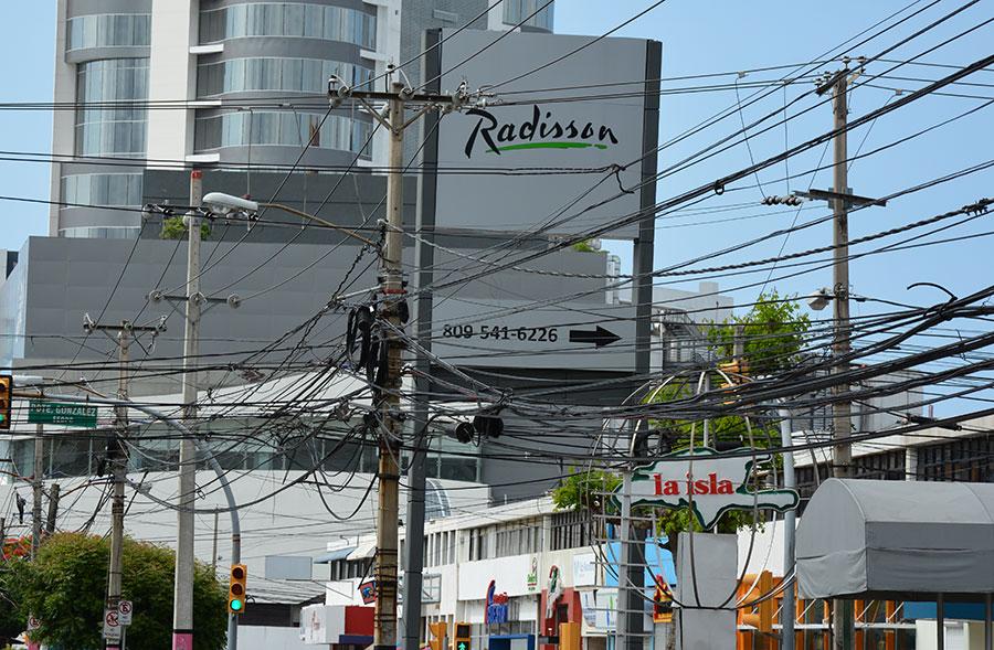 Aspecto de la avenida Tiradentes, en la parte central del ensanche Naco.