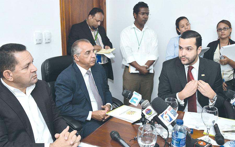 Los empresarios que promueven el CEBQ han visitado diversas instituciones nacionales y extranjeras para dar a conocer la propuesta.