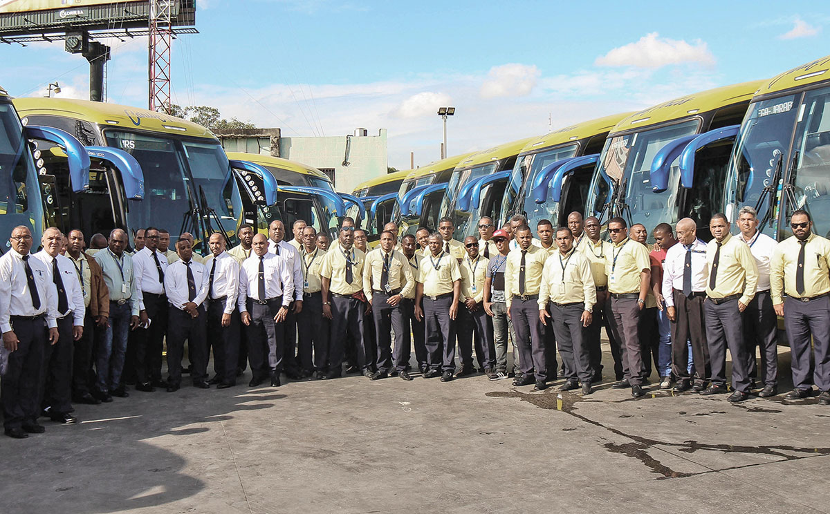 choferes caribe tours volvo