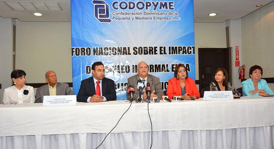 Los directivos de Codopyme anunciaron un foro sobre el impacto del empleo informal./GABRIEL ALCÁNTARA.