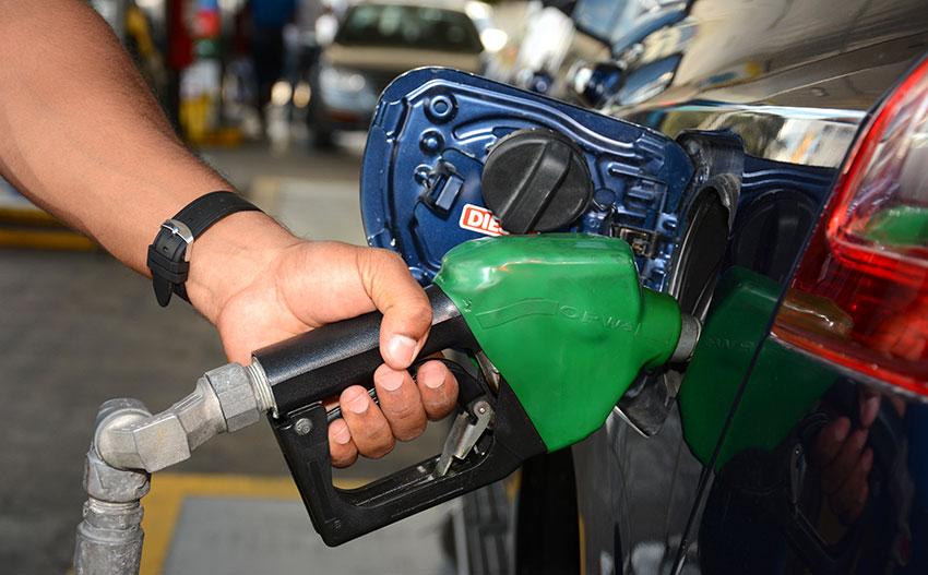 La gasolina y gasoil, en sus diferentes tipos, son los combustibles con mayor carga impositiva.