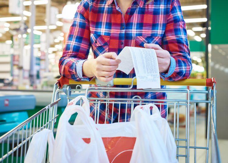 Dentro de los bienes, las cifras de IPC reflejan una moderación en el alza de los alimentos y bebidas no alcohólicas en España. | Sergeyryzhov, Getty Images.