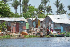 Miles de dominicanos viven en áreas vulnerables.