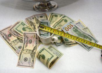 El dólar estadounidense representó el 69% de la deuda del Gobierno central.   Lésther Álvarez