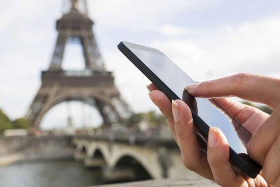 Según datos de costos del sector, una llamada en roaming saliente desde Estados Unidos cuesta alrededor de RD$44.78 en planes prepago y RD$26.87 en pospago.   Fuente externa