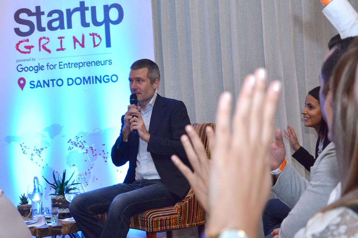 emprendedores dominicanos martin roos