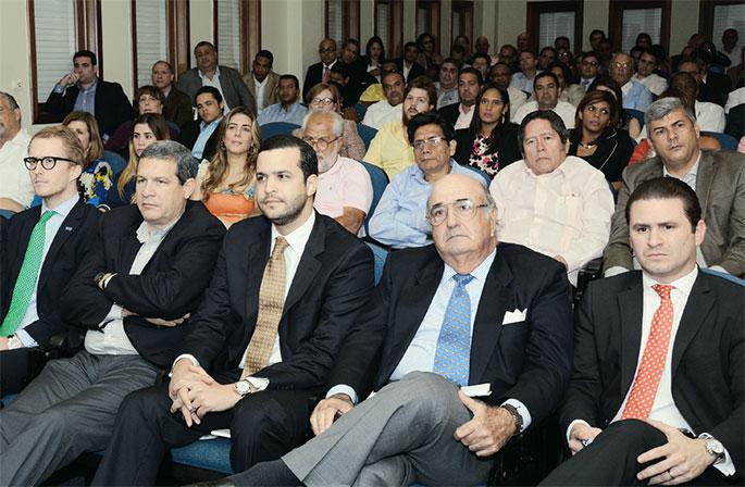 Representantes del sector empresarial asistieron a la conferencia dictada por el empresario Juan Bautista Vicini.