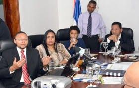 Directivos del OPD presentan informe sobre Ley 28-01 a la Dirección General de Desarrollo Fronterizo.
