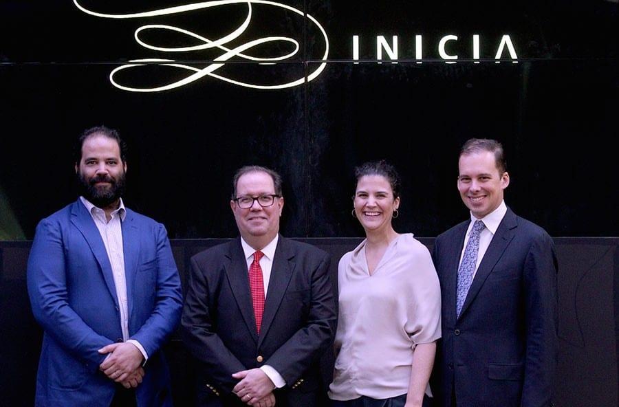 Los hermanos Juan Bautista, Felipe y Amelia Vicini, junto a José Leopoldo Vicini, en la presentación de la nueva identidad corporativa.
