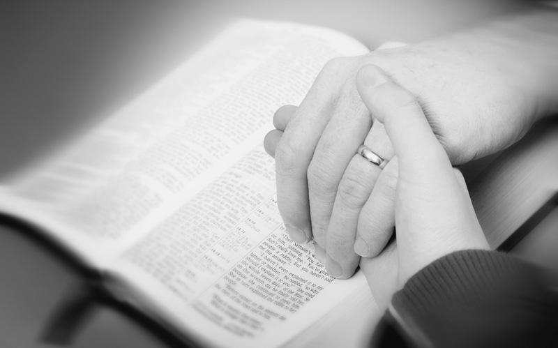 La obediencia de las mujeres a sus esposos es un mandato establecido en la Biblia.