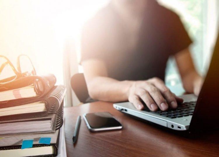 Las becas están destinadas a 57 programas de maestría europea a través de Internet y cuentan con un año de duración.